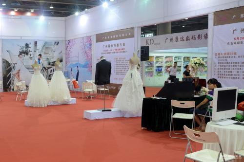 GWPE2013第五届广州婚纱摄影器材展在广州婚纱街上密集发布